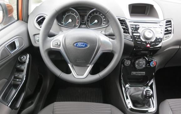 2014 Ford Fiesta 1.0 EcoBoost - steering wheel and instrument panel