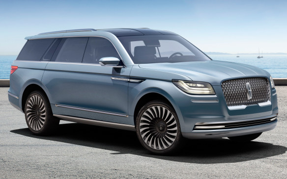 <p>The 2018 Lincoln Navigator will be the luxury-class version of the all-new Ford Expedition. Similar to the Expedition, it will use a mostly aluminum body-on-frame construction that will help with its lightweight feel and fuel economy. The interior won't take on the futuristic gadgets found in the Navigator Concept, shown here, but modern styling with a new infotainment unit and safety technology functions are expected.  </p> <p>Under the hood, the Navigator sports a new twin-turbocharged, 3.5-litre V-6 that gets both its horsepower and torque numbers up into the 450 range. The engine will be matched to a 10-speed automatic transmission.</p>