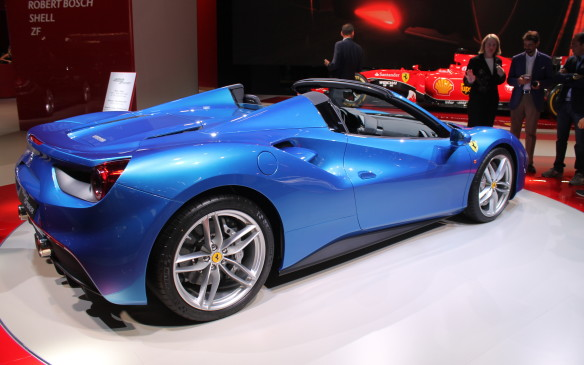 <p>Ferrari's 488 Spider will use its 670 hp to accelerate from zero-to-200 km/h in only 8.7 seconds.</p>