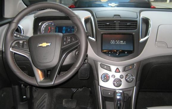 2013 Chevrolet Trax - steering wheel & instrument panel