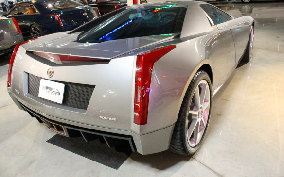 <p>But the look was back even more strongly by the time this 2002 Cien concept car celebrated Cadillac's100<sup>th</sup> anniversary.</p>