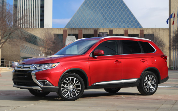<p>Refreshed and restyled, with a contemporary new look, the Outlander offers a quieter, more premium feel inside and improved ride and handling. Its base engine is a 2.4-litre four-cylinder rated at166 horsepower mate to a continuously variable transmission (CVT).</p>