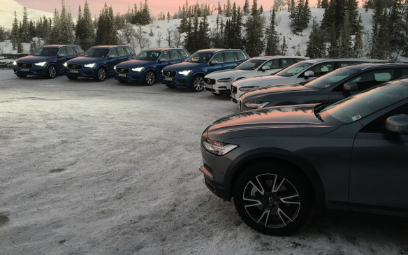 <p>Volvo wisely took advantage of the V90 Cross Country's global launch to let journalists also drive the XC90 T8 to show how its plug-in hybrid luxury SUV fares in harsh winter driving conditions. This provided contrast but also great insight on the common traits of two very different vehicles built on the same SPA 'flexible' platform. The difference in height and stance between the two is obvious in this photo, taken in the staging area at the Copperhill hotel in the resort town of Åre, future home of the FIS Alpine World Ski Championships, set for 2019.</p>