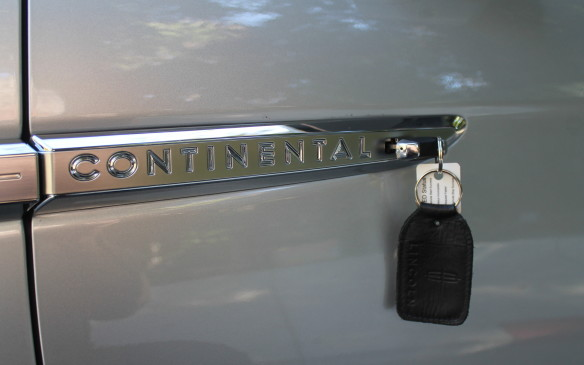<p>There are none of the usual rods and cables inside the door for the opening mechanism, but if the battery should go flat, it'll allow the door to open up to 20 times before the battery must be recharged. There's also an emergency key hidden in the fob, with a secret latch in the door.</p>