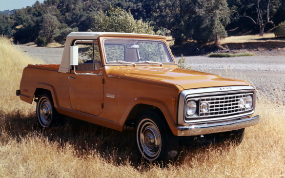 <p>This 1972 Commando pickup had pretty much lost its way: where's the slotted grille?</p>