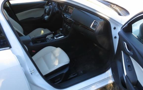 2014 Mazda6 -front seats