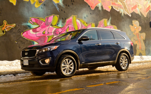 <p>New for 2015, the Kia Sorento topped the midsize SUV segment, ahead of the Hyundai Santa Fe and Chevrolet Traverse.</p>