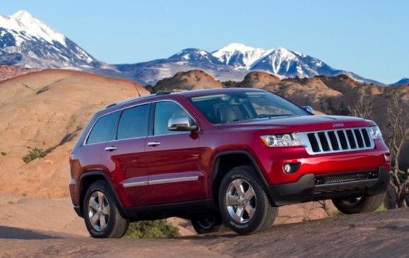 2011 Jeep Grand Cherokee - front 3/4 view