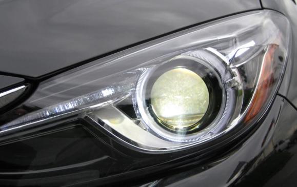2014 Mazda3 - headlight detail