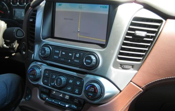 2015 Chevrolet Suburban - touch screen and centre stack