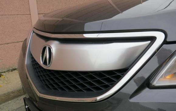 2013 Acura RDX - front grill, 3/4 view