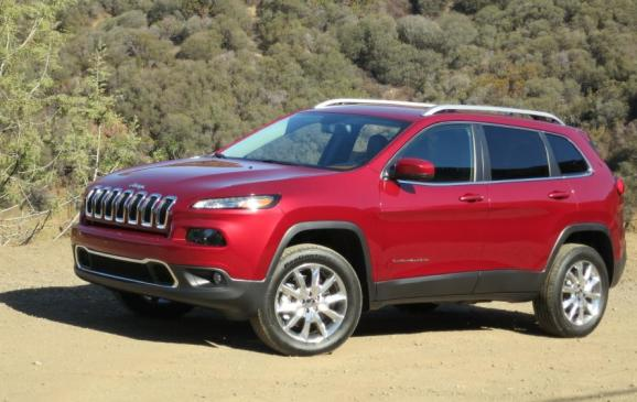 2014 Jeep Cherokee - front 3/4 view