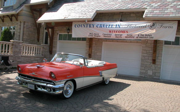 <p>LONDON, ON – The annual Fleetwood Country Cruize-in, already acknowledged as the largest outdoor auto extravaganza in Canada – and according to some, one the biggest on the planet – has set a new benchmark with its 2015 edition.</p>