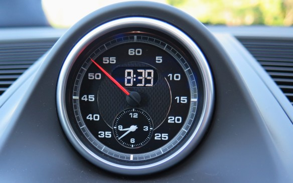 <p>Paired with a seven-speed dual-clutch automatic transmission and rear-biased AWD, Porsche says it will propel the Macon from rest to 100 km/h in 6.5 seconds when equipped with the optional Sports Chrono package. The company expects the four-cylinder model to account for 40% of all Macan sales.</p>