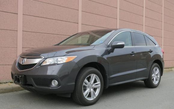 2013 Acura RDX - front 3/4 view