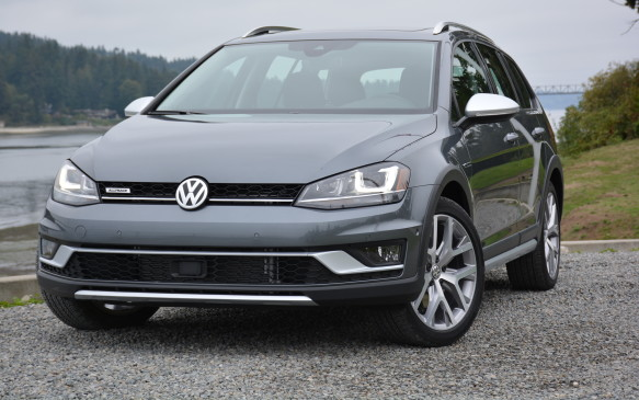 "<p>The Alltrack trim still sits on the same MQB platform as the regular Golf Sportwagen, but it increases its ride height by 15 mm, allowing for more ground clearance. It also gets more of a boost off the ground with unique 18-inch aluminum-alloy ""Canyon"" wheels.</p>"