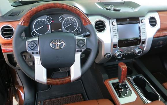 2014 Toyota Tundra - steering wheel and instrument panel