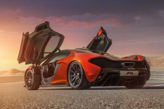 McLaren P1 doors open