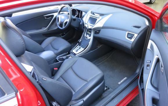 2013 Hyundai Elantra Coupe - front seats