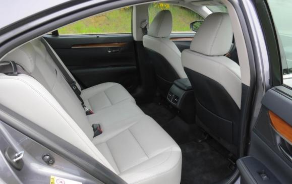 2013 Lexus ES300h - rear seat