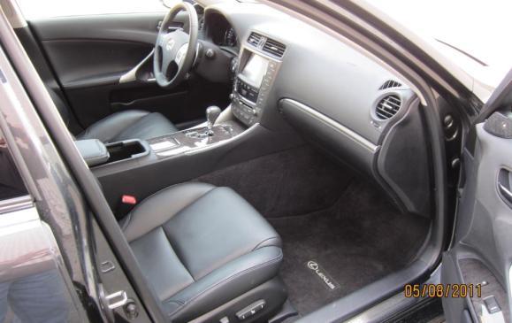 2012 Lexus IS350 - front seats