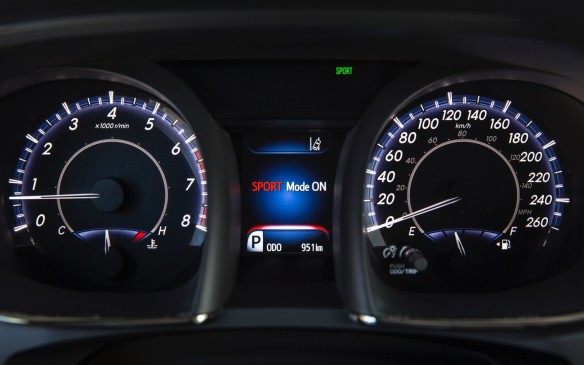 <p>2016 Toyota Avalon instrument cluster</p>