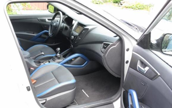 2013 Hyundai Veloster Turbo -front seats