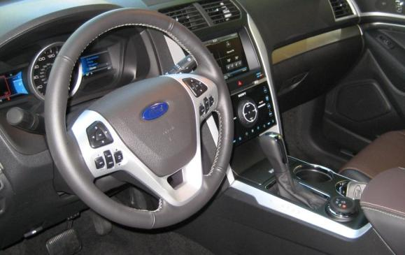 2013 Ford Explorer Sport - steering wheel and centre stack