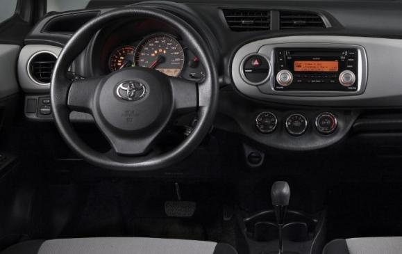 2012 Toyota Yaris - instrument panel
