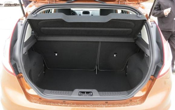 2014 Ford Fiesta 1.0 EcoBoost - cargo area