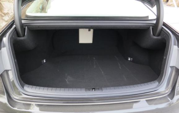 2015 Hyundai Genesis - trunk