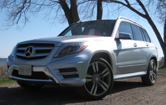 2013 Mercedes-Benz GLK 350 - front 3/4 view