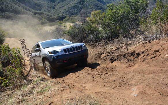 <p>With Jeep Canada making the new 2.0-litre an optional selection, it expects 15% of its sales to come from the V-6, an engine that typically got 80% of total sales.</p>