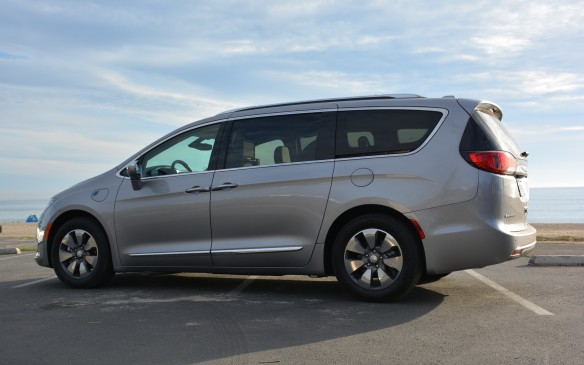 <p>For those that aren't familiar with the Pacifica name, it's a totally rebuilt minivan that replaced the Chrysler Town & Country (and it has nothing to do with the big Pacifica wagon of a decade ago). It debuted with a regular gasoline-powered model and, for 2017, the venerable American brand has added a plug-in hybrid version.</p>