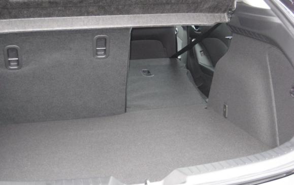 2014 Mazda3 - cargo passthrough