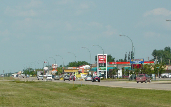 <p>Moving westward, the prices drop significantly. Saskatchewan, has the third-lowest gas prices in the country at 98.9 cents/litre on average. They're a little above that average in Regina and Saskatoon at 1.008 and 1.009 cents/litre respectively.</p>