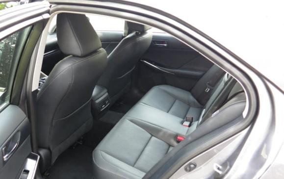 2014 Lexus IS350 - rear seats