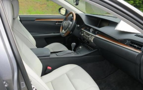 2013 Lexus ES350 - front seat