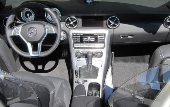 2012 Mercedes-Benz SLK - steering wheel, instrument panel and console