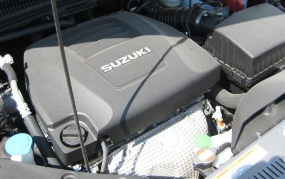 2012 Suzuki Kizashi - engine