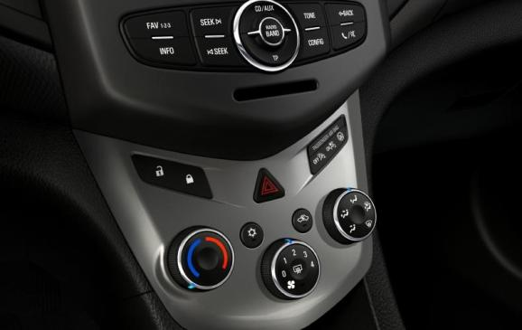 2012 Chevrolet Sonic - centre IP stack