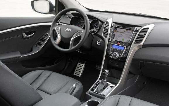 2013 Hyundai Elantra GT - instrument panel