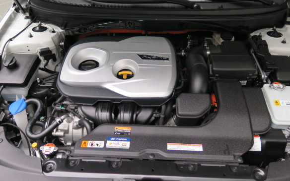 <p>2016 Hyundai Sonata Hybrid</p>