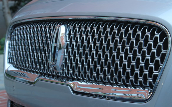 <p>The all-new grille is even shaped in a pattern like small Lincoln logos.</p>