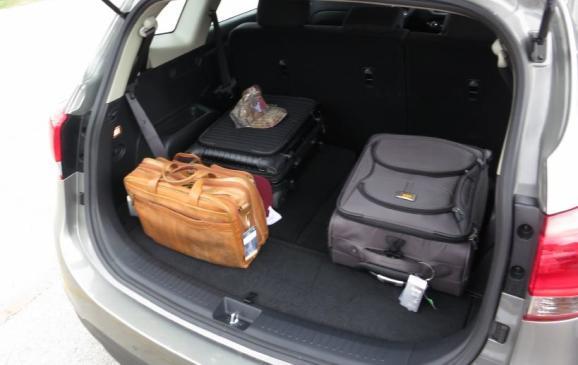 2014 Kia Rondo - cargo rear seatbacks up