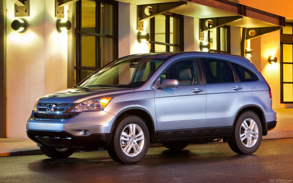 <p>The earlier CRV's 2.4-litre four-cylinder engine produces 166 horsepower and is matched to a five-speed automatic transmission. Availability of an optional all-wheel drive system is the only real choice to make mechanically. CBB's average price for a 2009 LX AWD is $14,790.</p>
