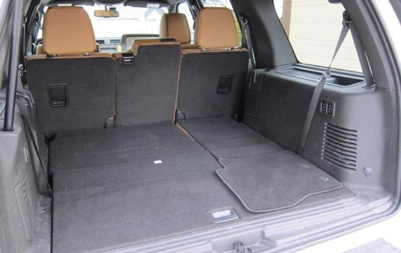 2012 Lincoln Navigator - cargo, third row seats folded