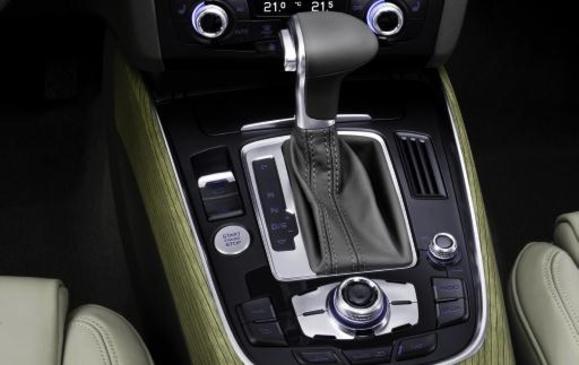 2014 Audi Q5 TDI - centre console detail