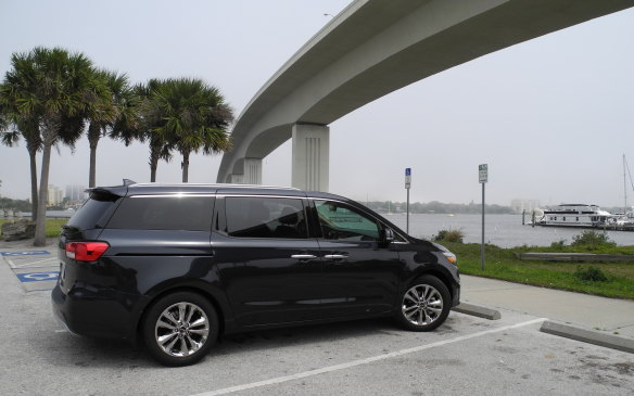 <p>The 2015 Kia Sedona is a handsome van, mini or otherwise.</p>