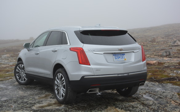 <p>A melange of mixed materials helps the XT5 shed 132 kg (292 lb) from the outgoing SRX. Cadillac uses a combination of mostly high-strength steel on its body and aluminum throughout the interior and for the engine.</p>